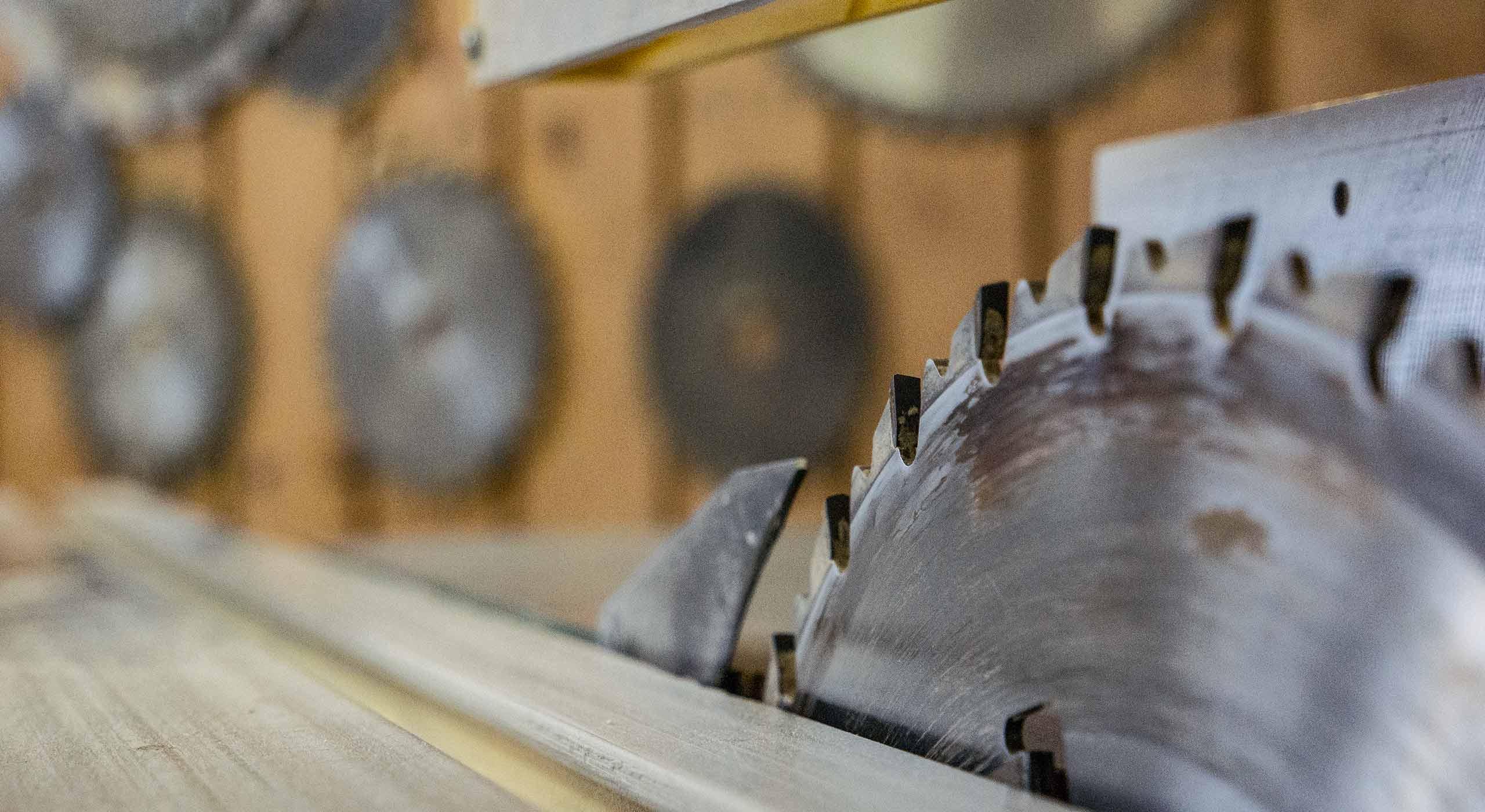 Dachstühle – Holzbau<br/>Dachsanierungen